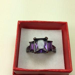 Jewelry - Purple Gunmetal Ring Size 9 (803)